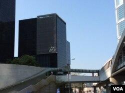 香港立法会综合大楼 (美国之音记者申华 拍摄)