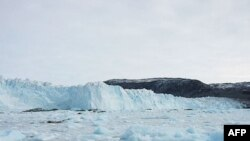 Grönland'dan Kopan Buz Dağı Gemileri Tehdit Edebilir