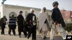 امریکی اخبارات سے: طالبان سے مذاکرات
