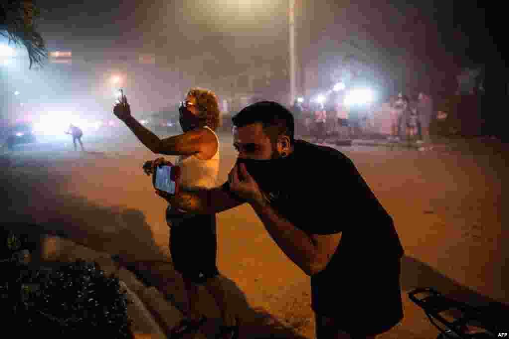 صدر جو بائیڈن نے گزشتہ ہفتے جائے وقوعہ کے دورے کے موقع پر متاثرین سے اظہارِ یکجہتی کیا تھا۔
