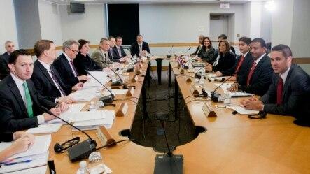 2015年2月27日,美国和古巴代表团在华盛顿美国务院开始两国正常化会谈。