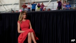 """""""Estoy orgullosa de poder invitar a todos los gobernadores a la Casa Blanca"""", dijo Melania Trump."""