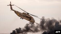 一架以色列黑鹰直升机在空军飞行员毕业典礼表演