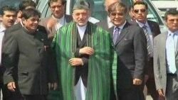 Karzai Hindistan'da