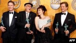 Các diễn viên trong bộ phim The King's Speech giành giải thưởng hàng đầu tại buổi lễ trao giải thưởng của Hiệp hội Diễn viên SAG ở Los Angeles