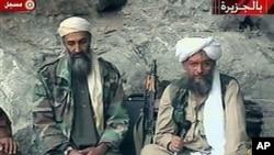 اسامه بن لادن رهبر سابق القاعده درکنار ایمن الظواهری رهبر فعلی القاعده