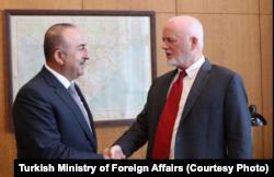 Dışişleri Bakanı Mevlüt Çavuşoğlu BM Genel Kurul Başkanı Peter Thompson'la