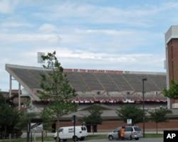 马里兰大学美式足球场