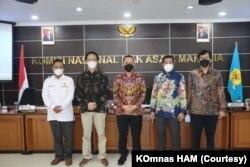 Pimpinan Komnas HAM saat memberikan keterangan pers di Jakarta, Senin (16/8/2021). Foto: Komnas HAM