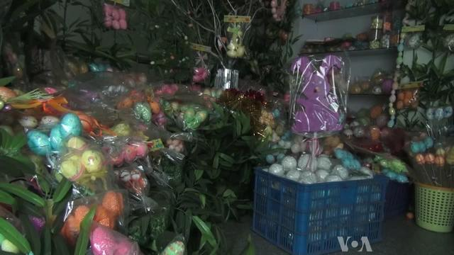 Christmas is Big Business for Xitan, China's 'Christmas Village'