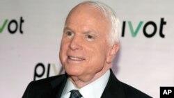 El senador John McCain es un veterano de guerra, ex candidato a la presidencia en 2008, y uno de los referentes dentro del Partido Republicano.
