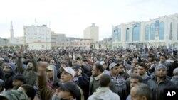 Des manifestants anti-gouvernementaux à Tobrouk, le 20 janvier 2011