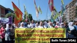 Kurdên li Srenbolê piştgirîya Kobanê dikin