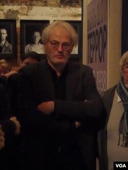 波兰记者托马什。(美国之音白桦拍摄)