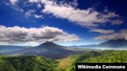 Kawasan Gunung Batur di Kintamani Bangli-Bali ditetapkan oleh UNESCO sebagai geopark atau taman bumi (foto: dok/Wikipedia).