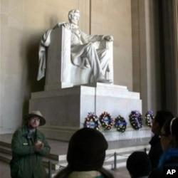 在华盛顿林肯纪念堂