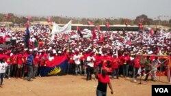 Miitantes do MPLA