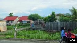 班達亞齊新建的房屋 (美國之音記者赫爾曼拍攝)