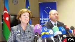 Avropa Komissiyasının elektron gündəlik üzrə vitse-prezidenti Neli Kroes