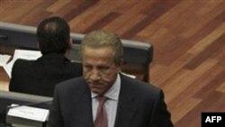 Новоизбранный президент Косово Беджет Паколли в парламенте страны. Приштина. 22февраля 2011 года