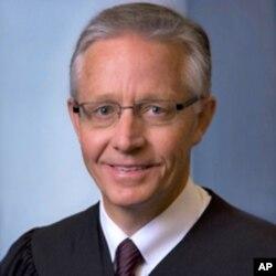 爱奥华州最高法院首席法官马克•卡迪