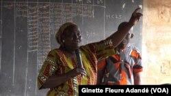 Une propriétaire menacée d'expropriation au Bénin, le 29 août 2017. (VOA/Ginette Fleure Adandé)