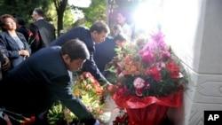 На церемонии поминовения памяти погибших. 10 июня 2011г.