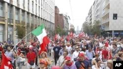 意大利民眾九月六日走上街頭抗議政府大規模削減公共服務