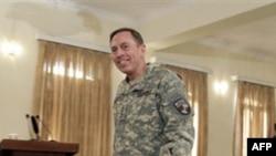 Командующий вооруженными силами США в Афганистане генерал Дэвид Петреус