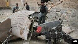 지난 3월 아프가니스탄 카불 외곽에서 발생한 나토 소속 헬리콥터 추락 현장. (자료 사진)