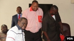 FILE: MDC99 leader Job Sikala (center) rejoined Morgan Tsvangirai's MDC this year saying time has come for the opposition to work as a united front to fight Zanu PF.