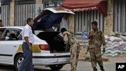 也門軍方加緊檢查。