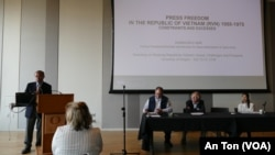 Cựu Tổng trưởng Hoàng Đức Nhã tại hội thảo của trường Đại học Oregon, 15/10/2019