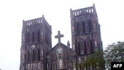 Кафедральный собор святого Иосифа в Ханое.