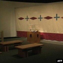 Izložba Džejmsa Lune o uticaju hrišćanstva na indijansku kulturu