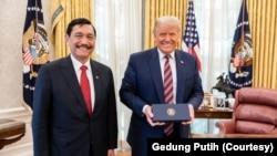 Menteri Koordinator Bidang Kemaritiman dan Investasi Luhut B. Pandjaitan bersama Presiden Amerika Serikat Donald Trump usai pertemuan, Selasa, 17 November 2020. (Foto: Gedung Putih)