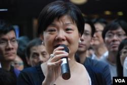 公民黨主席余若薇在街頭論壇表示,願意為爭取香港人有真普選坐監