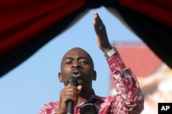 FILE - Opposition leader Nelson Chamisa speaks in Harare, Zimbabwe, Oct. 27, 2018.