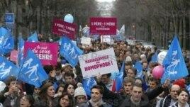 Demo anti perkawinan sejenis di Paris, Minggu (13/1) yang diikuti lebih dari 200 ribu orang.