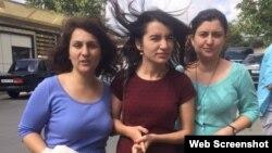 Jurnalistlər Sevinc Vaqifqızı, Aytən Fərhadova və İzolda Ağayeva (Foto Aynur Elgünəşin Facebook səhifəsindəndir)