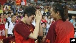 2015女篮亚锦赛决赛,日本队以80比50的比分击败中国队获得冠军。