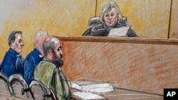 Ilustración de la Corte Marcial contra el mayor Nidal Hasan (derecha).