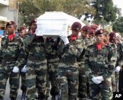 Desfile fúnebre de Cesária Évora