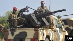 Militer Kamerun dalam operasi melawan kelompok militan Boko Haram (foto: dok).