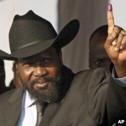 Le président du Sud-Soudan, Salva Kiir, après son vote, dimanche, à Juba