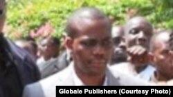 Zitto Kabwe pamoja na wakili wake Albert Msando (kulia) wakiwasili Mahakama Kuu Dar Es Salaam