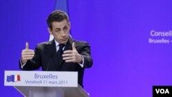 El presidente Nicolás Sarkozy anunció la billonaria inversión.