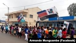 Apoiantes da Renamo, em Xai-Xai, Moçambique, Outubro de 2018