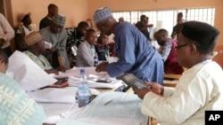 Começa a contagem dos votos na Nigéria