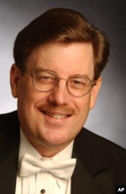 Chorus conductor Norman Mackenzie